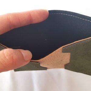 Porte cartes Nano en liège ouvert
